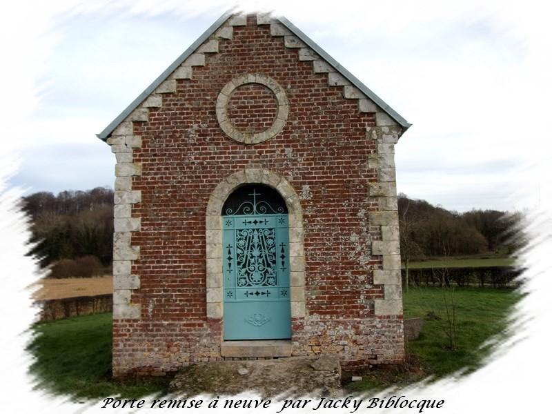Porte chapelle rénovée et peinte doullens auxi le chateau bernaville